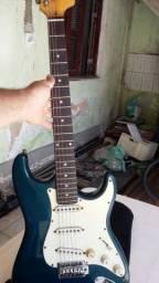 Guitarra memphis com case