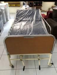 Cadeira de banho, cama hospitalar e andador