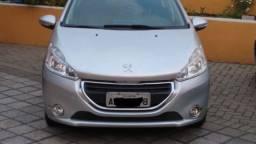 Peugeot 208 - 2014 Teto Panoramico e Couro
