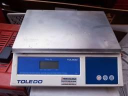 Vendo balança Toledo R$400,00