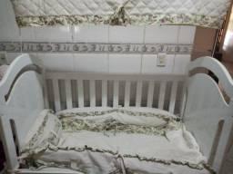 Vendo Berço vira cama + kit berço + colchão R$320,00
