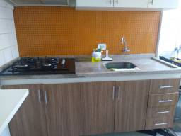 Armário de cozinha e banheiro