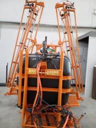 Pulverizador reformado semi novo 600 litros 12 metros