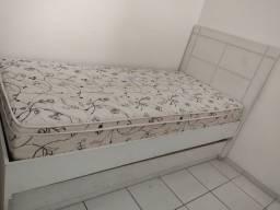Cama de solteiro com cama auxiliar (MDF)