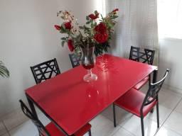 Belíssima Mesa com 6 cadeiras