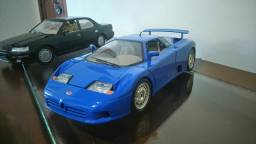 Miniatura Bugatti 11GB 1991 em escala 1:18 BURAGO