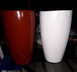 Vasos de fibra de vidro com cimento