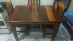 Vende-se essa mesa