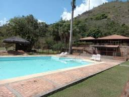 Pedro do Rio (condominio com facil acesso BR040), 2 quartos, garagem.