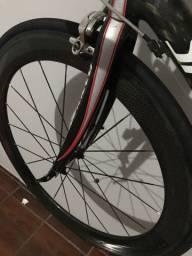 Rodas carbono 60 clintcher aro 700 cubos novatec
