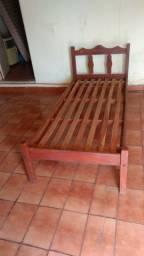 Cama de solteiro de madeira cerejeira