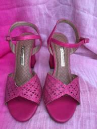 Sandália viamarte, tamanho 35