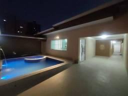 Casa Maravilhosa! 3 dormitórios 2 vagas Piscina Churrasqueira
