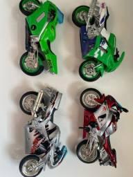 Moto de brinquedo coleção aceito proposta tenho mais alguns modelos .