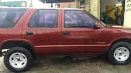Veículo Chavrolet Blazer ano 2000