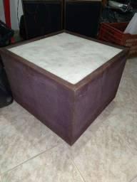 Mesa de centro de marmore e carmurça