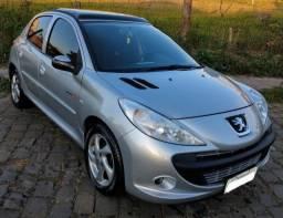 Título do anúncio: Peugeot 207 1.4 Quiksilver