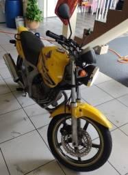 Moto Honda Twister 250