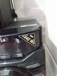 LG CM4440