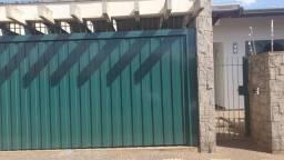 Título do anúncio: Casa para Venda em Araras, Jardim Nossa Senhora de Fátima, 3 dormitórios, 1 suíte, 2 banhe