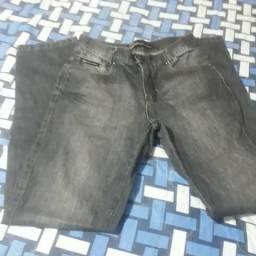 Calças jeans e bermuda masculina
