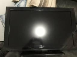 Vendo TV 32 polegadas e ar condicionado
