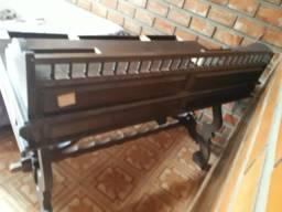 Vendo mesa de escritorio antiga madeira de lei