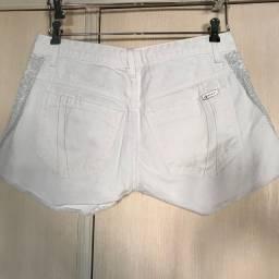 Short branco com brilho