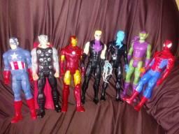 Vendo bonecos colecionáveis