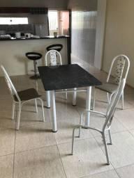 Mesa em granito com 4 cadeiras