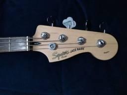 Baixo Squier Fender Standard Jazz Bass 4 Cordas