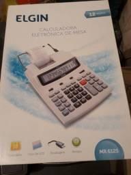 Calculadora de mesa eletrônica