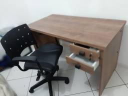 Mesa escritório c/cadeira