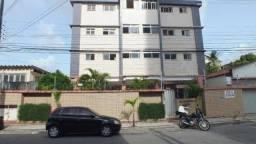 AP524 - Aluga Apartamento no Bairro de Fátima com 3 quartos, 1 vaga próx. ao Extra