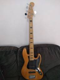 Baixo squier by fender modified