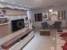 Casa à venda no bairro Parque das Laranjeiras - Goiânia/GO