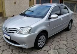 Toyota Etios Sedan 1.5 XS 2013 - Impecável, Baixa KM, Completo