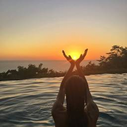 Alugo na TAÍBA casa de praia com piscina de sexta até o dia 02 de novembro