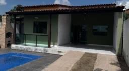 Casa com piscina no Imbuí J&