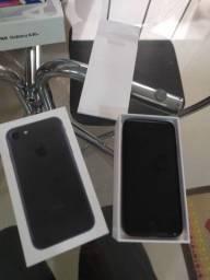 Vendo iPhone 7 completo 32 gigas funciona tudo