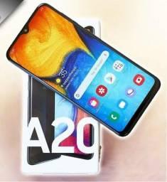 Samsung a20 sem marcas, pouco tempo de uso.