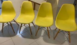 Cadeiras amarelas (Super da moda)