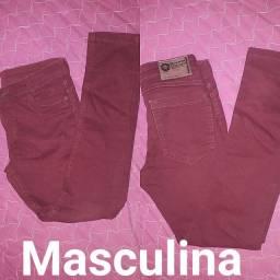 Calças masculinas pouco usadas.