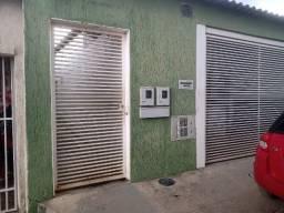 Casa de Fundos R$ 500