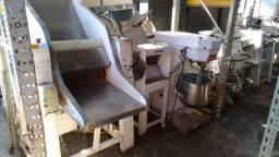 Vendo maquinário completo para padaria em perfeito estado de conservação