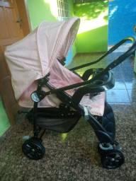 Carrinho de bebê+ bebê conforto Menina. Capinha e andador de brinde.