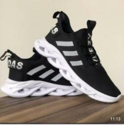 Tênis Masculino Adidas Maverick preto e branco