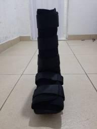 Vendo bota ortopédica muito nova usada poucos dias