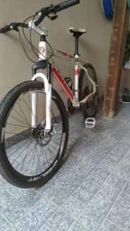 Bicicleta bike aro 26  praticamente nova