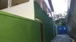 Casa de 3 quartos em Itararé, 1º andar ,(Alugo) próximo ao quartel da PM e Av. Maruipe